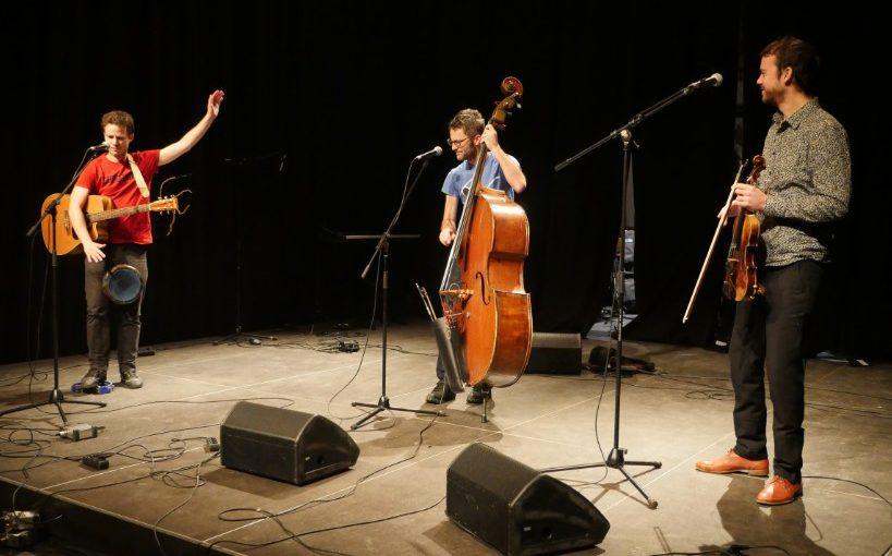 Le Ba Ya Trio – Le tour du monde en chansons (dans le cadre de la Fête de la Musique)